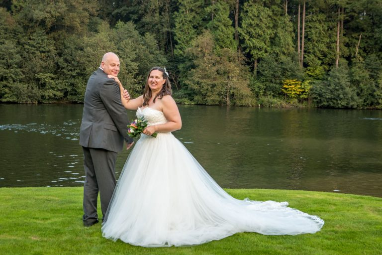 Wedding at Canada Lodge & Lake Cardiff, Tania Miller Photography. Cardiff Wedding Photographer