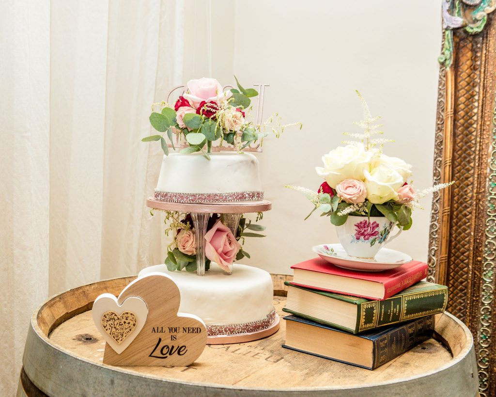 Wedding Cake, Peterstone Court Brecon, Tania Miller Photography, Cwmbran Wedding Photographer